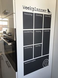 Do you have a chalkboard in your home? Small Space Interior Design, Interior Design Living Room, Home Office, Home Organisation, Ideias Diy, Diy Chalkboard, My New Room, Home And Living, Interior Inspiration