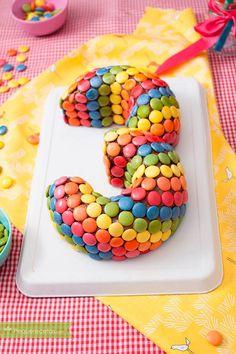 15 TARTAS DE CUMPLEAÑOS infantiles súper fáciles de hacer. Pasteles de cumpleaños sencillos para hacer tú mismo en casa. Edible Gifts, Creative Food, Themed Cakes, Diy Food, Yummy Cakes, Baby Food Recipes, Amazing Cakes, Fondant, Fudge