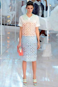 Louis Vuitton Spring 2012 Ready-to-Wear Collection Slideshow on Style.com, que dicen de este look?