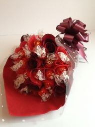 Lindt Lindor Milk Chocolate Bouquet with Roses