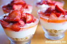 Ostekake i glass Protein Shake Recipes, Snack Recipes, Dessert Recipes, Cooking Recipes, Snacks, Pudding Desserts, No Bake Desserts, Healthy Breakfast On The Go, Norwegian Food