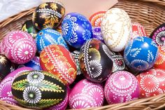 Here you'll find informations about Polish pisanki (decorated Easter eggs): Short history 8 types of Polish Easter eggs Patterns Gallery of Polish pisanki Polish Easter, Easter Egg Pattern, Egg Art, Ancient Symbols, Egg Decorating, Easter Eggs, Poland, Cute Pictures, Carving