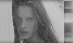 @calvinklein vừa tiết lộ hình ảnh chưa bao giờ được công bố trước đây của siêu mẫu Kate Moss ở tuổi 18 được chụp bởi bạn trai của cô lúc bấy giờ Mario Sorrenti nhân kỉ niệm ra mắt hương nước hoa Obsessed của hãng. #ellevn #ellevietnam #ellenews  via ELLE VIETNAM MAGAZINE OFFICIAL INSTAGRAM - Fashion Campaigns  Haute Couture  Advertising  Editorial Photography  Magazine Cover Designs  Supermodels  Runway Models