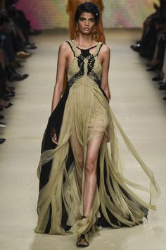 MFW: Alberta Ferretti's Desert Collection | Black and Nude Gown | The Luxe Lookbook