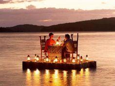 dîner romantique avec des lanternes super sympas