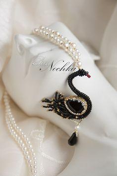 Лучших изображений доски «красота с БИ»  444   Bead weaving, Beaded ... 3cb9d5bada3