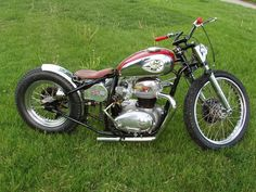 Im thinking this is close to the ideal British Motorcycles, Cool Motorcycles, Triumph Motorcycles, Vintage Motorcycles, Flat Tracker, Custom Bobber, Custom Bikes, Sidecar, Scooters