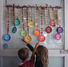 Top 40 Beispiele für Büttenpapier-Events - Everything About Kindergarten Eyfs Classroom, Classroom Birthday, Birthday Wall, Birthday Board, Kindergarten Classroom, Classroom Decor, Toddler Crafts, Crafts For Kids, Birthday Charts