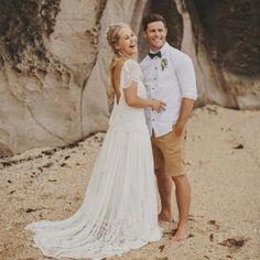 20 Beach wedding looks for stylish grooms & groomsmen (Credit: Danelle Bohane)