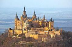 Deutschlands schönste Schlösser und Burgen. Burg Hohenzollern                                                                                                                                                      Mehr