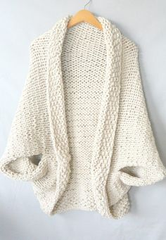 easy-knit-blanket-sweater, free pattern on http://MamaInAStitch.com