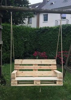 Creative garden furniture made from Euro pallets for a promising garden season . - Creative garden furniture made from Euro pallets for a promising gardening season Garden furniture, - Diy Garden Furniture, Diy Pallet Furniture, Furniture Decor, Outdoor Furniture, Furniture Stores, Furniture Design, Wooden Pallet Projects, Pallet Ideas, Diy Projects