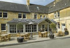 """★★★ Noel Arms - """"A Bespoke Hotel"""", Chipping Campden, Verenigd Koninkrijk Cotswolds Hotels, Cotswold Way, Cotswold Villages, Luxury Hampers, Stratford Upon Avon, Beautiful Hotels, London England, Wonderful Places, Old World"""