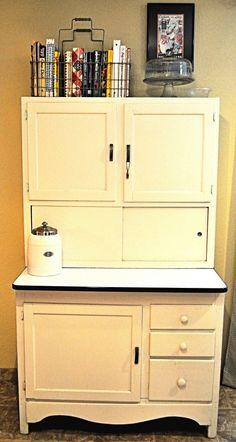 Pastel Yellow Hoosier Cabinet - Cookbooks in basket Old Kitchen, Kitchen Redo, Country Kitchen, Vintage Kitchen, Kitchen Storage, Vintage Decor, Vintage Furniture, Furniture Decor, Painted Furniture