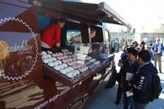 Food Rings Ideas & Inspirations 2017 – DISCOVER a sprinkles truck? Discovred by : Vanessa Wagner Food Trucks Los Angeles, Los Angeles Food, Sprinkle Cupcakes, Fun Cupcakes, Maria Amelia, Dump Truck Cakes, Food Truck Design, Food Design, Best Food Trucks