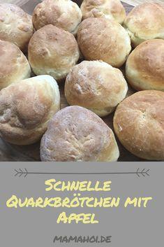 Leckere Quarkbrötchen mit Apfel - das sind unsere neuen Lieblingsbrötchen. Sie sind ganz schnell und einfach gemacht. Baby Food Recipes, Hamburger, Nom Nom, Food And Drink, Breads, Graffiti, Muffins, Cupcakes, Desserts