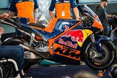 Analyzing the KTM RC16 MotoGP Bike
