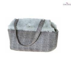 Collins #dogbag Pet Carrier Bag in ecofur and plush. Warm inside, chic outside <3 Borsa a tracolla per cani in ecofur. Calda dentro, elegante fuori #Chic4Dog