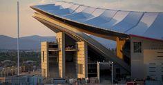 Fútbol en estadios de autor El nuevo campo del Atlético de los arquitectos Crus y Ortiz toma como referentes el Olímpico de Múnich el dinamismo de San Siro y la integración de Souto de Moura en Braga