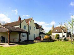 Ingleside, Adsett, Gloucestershire, England, Sleeps 14, Bedrooms 6, Hot Tub, Self-Catering Holiday Cottage.