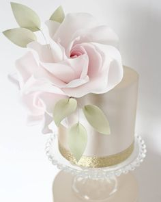 gumpaste modern sugar rose and wired leaves