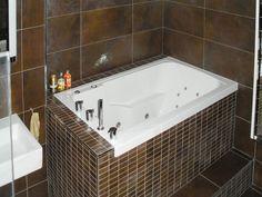 The Nirvana Deep Soaking Tub - 'Armchair' Style Designed to optimise both bathin. Japanese Soaking Tubs, Deep Soaking Tub, Japanese Bath, Japanese Style, Tub Shower Combo, Shower Tub, Bath Tub, Modern Luxury Bedroom, Luxurious Bedrooms