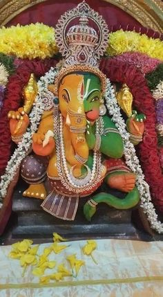 Jai Ganesh, Ganesh Idol, Lord Ganesha, Bal Hanuman, Happy Ganesh Chaturthi Images, Baby Ganesha, Ganapati Decoration, Ganesh Wallpaper, Lakshmi Images