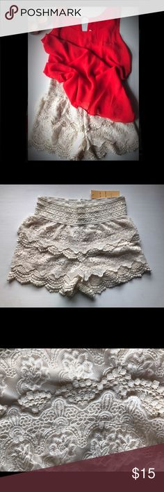 Stunning lace shorts NWOT absolutely adorable cream laced shorts. Dress them up or dress them down🌼 Graciously opened to reasonable offers! Shorts