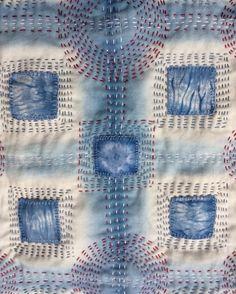 Close up of Kantha stitched Shibori indigo dyed fabric. Sashiko Embroidery, Japanese Embroidery, Hand Embroidery Stitches, Embroidery Patterns, Embroidery Techniques, Shibori Fabric, Fabric Yarn, Fabric Crafts, Sewing Stitches By Hand