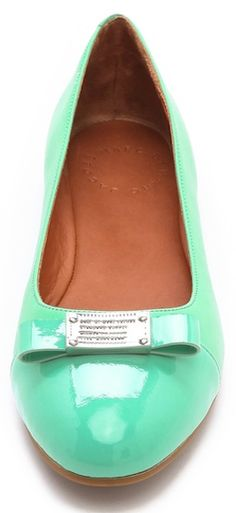 love these Marc Jacobs #mint patent leather flats http://rstyle.me/n/kjsnhr9te