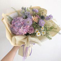 Flower Bouqet, My Flower, Flower Ideas, Flower Aesthetic, Purple Aesthetic, Lavender Aesthetic, Ikebana, Flowers Nature, Beautiful Flowers