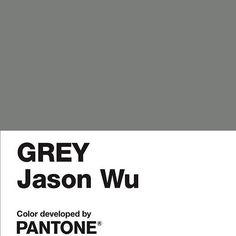 @jasonwu e @pantone se uniram para criar um tom de cinza especial para a nova etiqueta do estilista taiwanês, a Grey. A new label tem como inspiração o estilo pessoal de seus amigos íntimos, como @DianeKruger. De cara, Wu entrega que as peças não terão estações definidas e contarão com mood relaxado e sofisticado. Bazaar quer já! #GreyPantone #JasonWu #Fashion