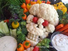 Skull Veggie Platter | 20+ Cute Fruit & Veggie Trays