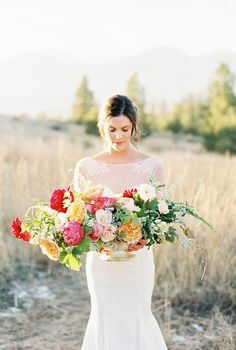 Victorian Bridal Session in Bitterroot Valley, Montana. Photography: Rebecca Hollis