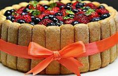 Tort Tiramisu cu fructe de padure si mascarpone adygio kitchen Choux Pastry, Fluffy Pancakes, Italian Desserts, Easy Cake Recipes, Mousse, Cheesecake, Deserts, Food And Drink, Sweets