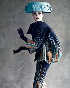 Patrick Demarchelier Couture, Key Colours are used to draw attention to certain parts of the shot