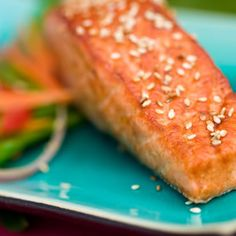 Sesame-topped salmon with Asian noodles*