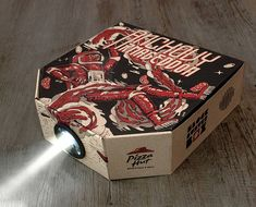 Pizza Hut transforma embalagem de pizza em projetor de filmes
