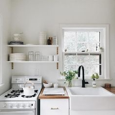 70 Brilliant Small Apartment Kitchen Decor Ideas 39 – Home Design Bedroom Minimalist, Minimalist Kitchen, Minimalist Interior, Minimalist House, Minimalist Decor, Minimalist Style, Minimalist Design, Modern Interior, Layout Design