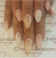 check more here:enaildesign.com Nude color with design in almond shape check more here:enaildesign.com