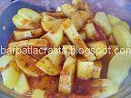 Cartofi cu cimbru la cuptor   Rețete BărbatLaCratiță Fruit Salad, Potato Salad, Food And Drink, Potatoes, Ethnic Recipes, Fruit Salads, Potato