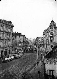 Historical Photos, Romania, Paris Skyline, Spain, Old Things, Louvre, Street View, Building, Travel