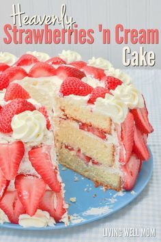 This Heavenly Strawberries 'n Cream Cake tastes just as incredible as it looks. With fresh strawberries, homemade whipped cream, and a light pound-cake-type texture, it's the winning strawberry dessert recipe you've been looking for! Strawberry Cream Cakes, Strawberry Dessert Recipes, Strawberries And Cream, Strawberry Buttercream, Strawberry Torte Recipe, Desserts With Strawberries, Strawberry Birthday Cake, Cake Mix Cookies, Cookies Et Biscuits