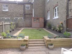 Railway sleepers as garden edging Patio Steps, Garden Steps, Garden Edging, Garden Path, Wooden Garden Borders, Back Gardens, Small Gardens, Railway Sleepers Garden, Oak Sleepers