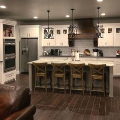 Are you looking for rustic kitchen design ideas to bring your kitchen to life? I have here great rustic kitchen design ideas to spark your creative juice. Rustic Kitchen Design, Home Decor Kitchen, Interior Design Living Room, Home Kitchens, Rustic House Design, Gray Kitchens, Barn Kitchen, Rustic Kitchens, Basement Kitchen