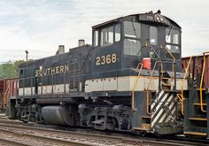 Norfolk Southern Railroad, EMD MP15DC diesel-electric switcher locomotive in Danville, Kentucky, USA