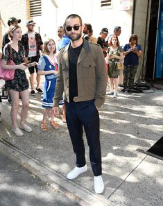The 10 Best-Dressed Men of the Week - Chace Crawford: Talk about the sweet spot: this military-inspired fit is safe enough for morning TV - Cameron Duddy, Celebrity Style Casual, Celeb Style, Men's Style, Kendall Jenner Style, Kylie Jenner, Green Suit, Best Dressed Man, Chace Crawford