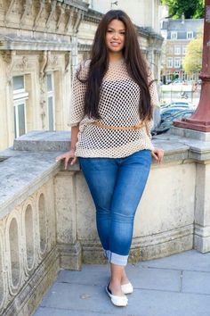 All you need is a mesh top to go over your tank and you'll end up with a perfect casual look. - See more at: http://stylesweekly.com/26-curvy-girl-outfit-ideas/#sthash.BNetBiKW.dpuf