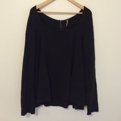 Free People Sweater Lose and comfy. Super soft. Free People Sweaters Crew & Scoop Necks