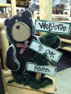 Tall wood craft bear with welcome sign Rustic Crafts, Country Crafts, Primitive Crafts, Wooden Crafts, Diy Projects For Kids, Crafts For Kids To Make, Craft Projects, Kids Diy, Woodworking For Kids